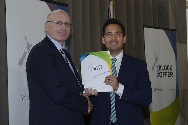 New Zealand Country Manager Max Murray (left) at the ceremony with Minister of Energy and Resources, Simon Bridges (right).